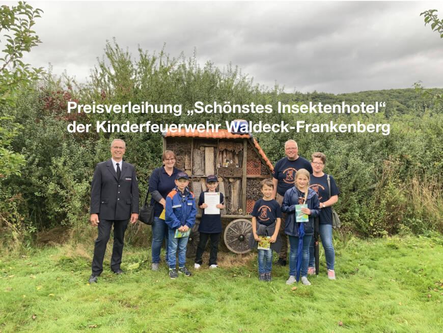 Kinderfeuerwehren Ober-Werbe und Waldeck für Insektenhotels ausgezeichnet